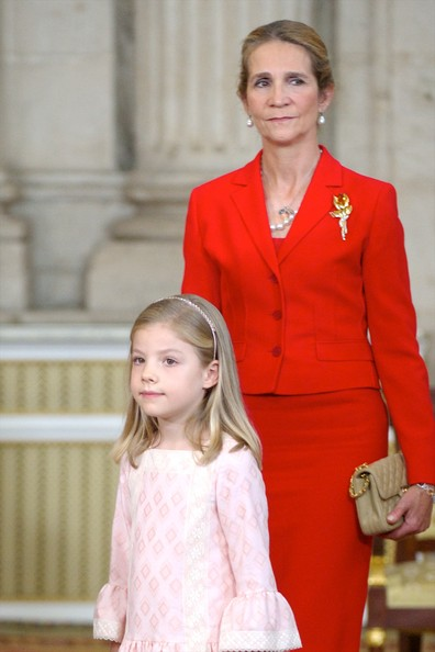 Princess Sofia of Spain (L) and Princess Elena of Spain attend the official abdication ceremony at the Royal Palace on June 18, 2014 in Madrid, Spain.