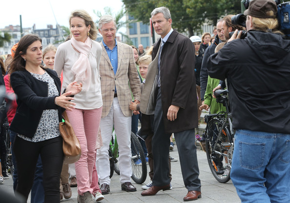 Princess Elisabeth, Queen Mathilde, Prince Gabriel and King Philippe of Belgium attend the Car Free Day in Brussels on September 21, 2014 in Brussels, Belgium.