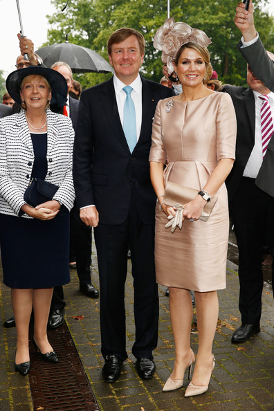King Willem-Alexander with Queen Maxima of The Netherlands and Hannelore Kraft (L), Governor of North Rhine-Westphalia, arrive at MMID on May 27, 2014 in Essen, Germany. The Royal couple is on a two-day visit to Germany.