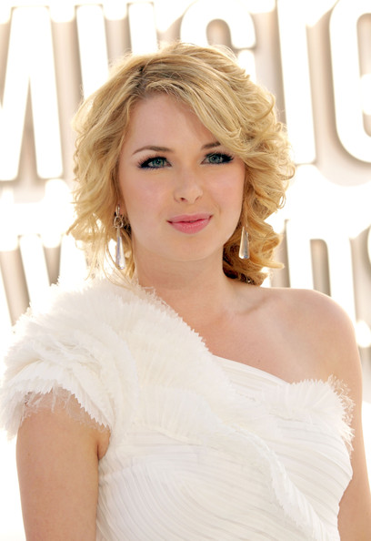 Kirsten Prout - HD Wallpapers