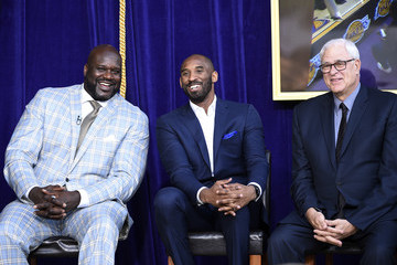 Kobe Bryant Los Angeles Lakers Unveil Shaquille O'Neal Statue