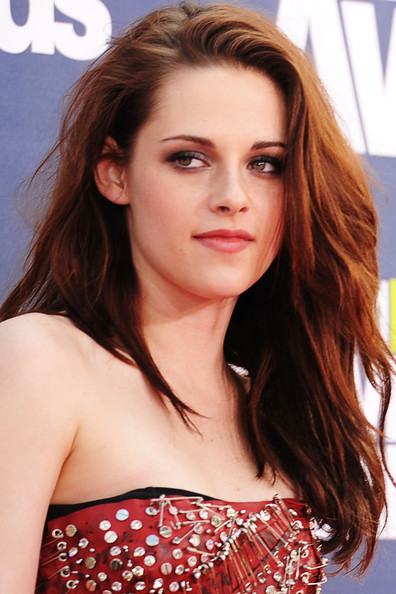 kristen stewart 2011 hair. girlfriend house 2011 MTV Movie Awards kristen stewart 2011 mtv movie.