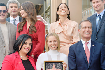 Kristen Bell Idina Menzel Kristen Bell And Idina Menzel Are Honored With Stars On The Hollywood Walk Of Fame