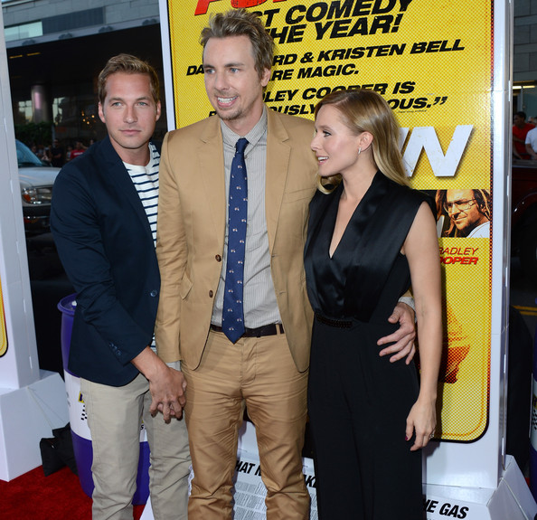 Kristen Bell and Ryan Hansen Photos Photos - Premiere Of ...