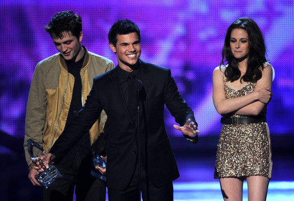 People's Choice Awards 2011 - Página 2 Kristen+Stewart+2011+People+Choice+Awards+fGJH0fhqAhAl