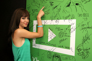 Ksenia Solo Xbox One At Comic-Con 2013 - Day 2