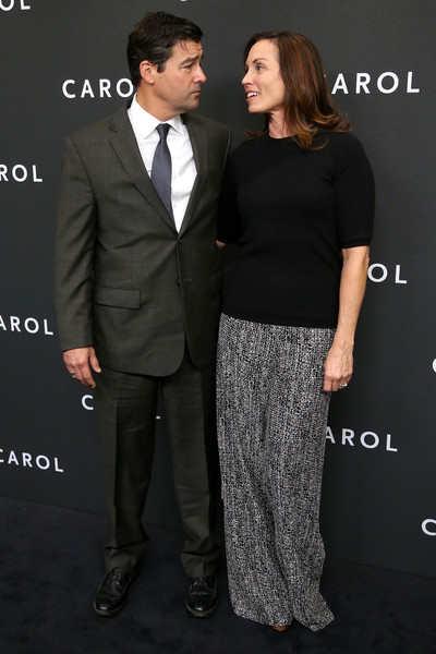 Kyle Chandler and Kathryn Chandler Photos Photos - 'Carol ...