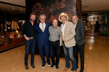 Kyle Young Country Music Hall Of Fame And Museum Opens Brooks And Dunn's 'Kings Of Neon'