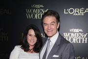 Lisa Oz and Dr. Mehmet Oz attends the L'Oreal Paris Women of Worth Celebration 2017 on December 6, 2017 in New York City.  (Photo by Cindy Ord/Getty Images for L'Oreal) *** Local Caption *** Lisa Oz; Mehmet Oz