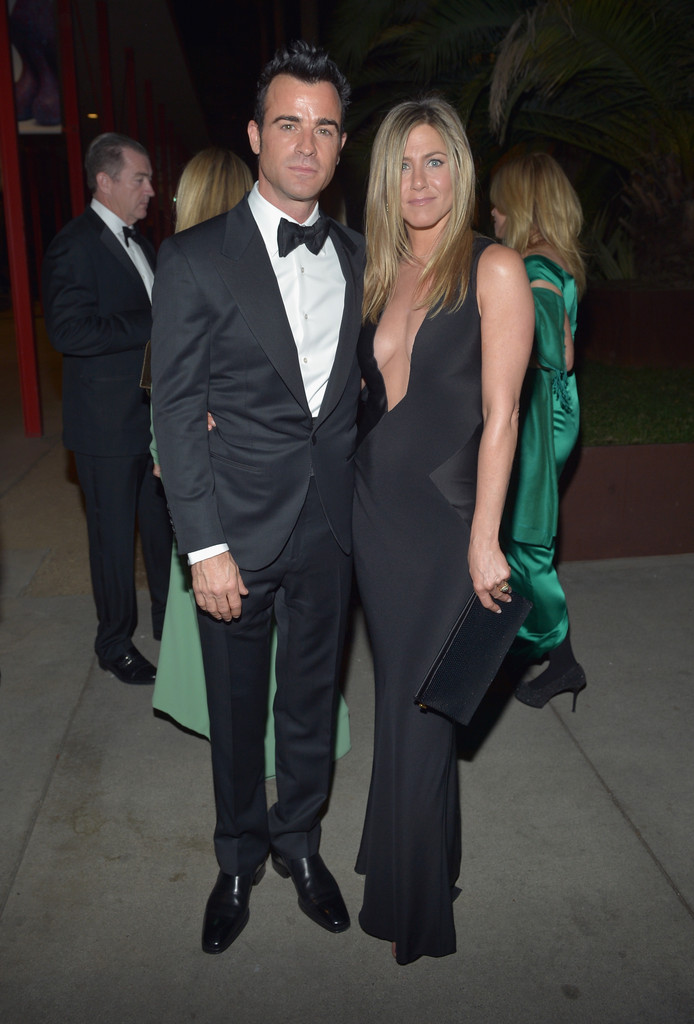 Actors Justin Theroux and Jennifer Aniston attend LACMA 2012 Art + Film Gala Honoring Ed Ruscha and Stanley Kubrick presented by Gucci at LACMA on October 27, 2012 in Los Angeles, California.