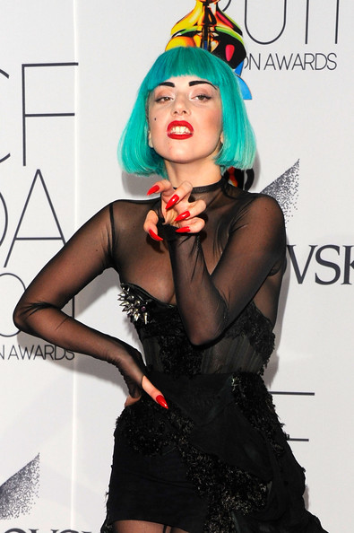 Lady+Gaga+2011+CFDA+Fashion+Awards+Arriv