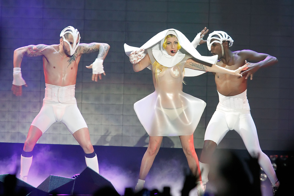 Lady Gaga Photos Photos - Lady Gaga In Concert - Zimbio Lady Gaga Tour