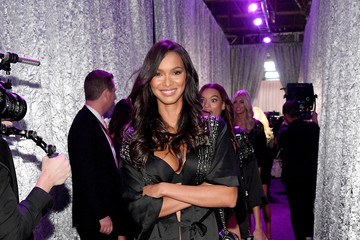 Lais Ribeiro 2018 Victoria's Secret Fashion Show in New York - Backstage