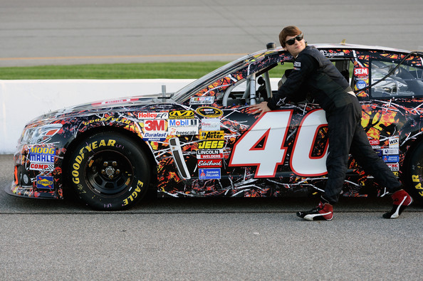 Landon cassill pictures richmond international raceway for Cassill motors used cars