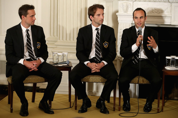 LA Kings and LA Galaxy Honored at White House [event,suit,formal wear,white-collar worker,businessperson,conversation,business,tuxedo,management,champions,sam kass,white house chef,michelle obama,champion,la galaxy,la kings,mls,white house,stanley cup]