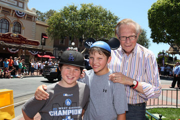 Larry King Cannon King Larry King And Sons At Disneyland For MLB All Star Parade