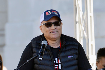 Larry Wilmore Women's March Los Angeles 2018