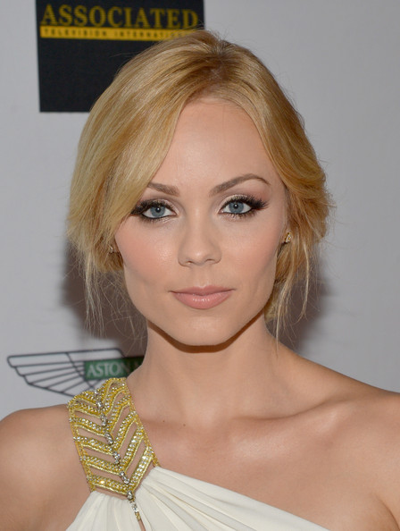 Laura Vandervoort - 21st Annual Race To Erase MS - Red Carpet
