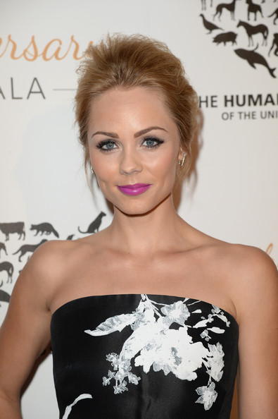 Laura Vandervoort - Humane Society Of The United States 60th Anniversary Gala - Red Carpet