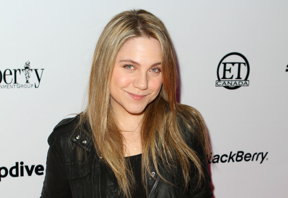 Lauren Collins Net Worth