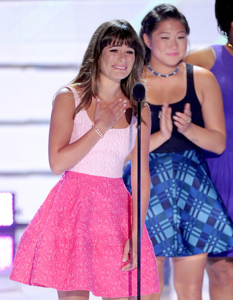 "Lea Michele Actresses Lea Michele (L) and Jenna Ushkowitz accept Choice TV Show: Comedy award for ""Glee"" onstage during the Teen Choice Awards 2013 at Gibson Amphitheatre on August 11, 2013 in Universal City, California."