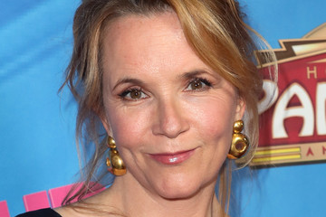 Lea Thompson Celebration Of The Los Angeles Engagement Of 'On Your Feet!' The Emilio And Gloria Estefan Broadway Musical - Arrivals