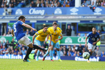Leighton Baines Everton v Crystal Palace - Premier League