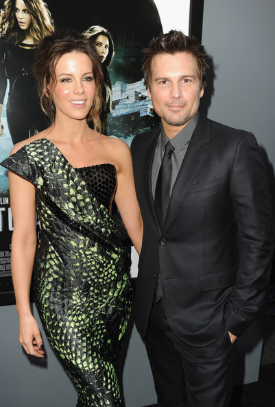 http://www4.pictures.zimbio.com/gi/Len+Wiseman+Premiere+Columbia+Pictures+Total+D5yBRGNN2T5l.jpg