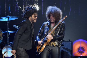 Lenny Kravitz 32nd Annual Rock & Roll Hall Of Fame Induction Ceremony - Show