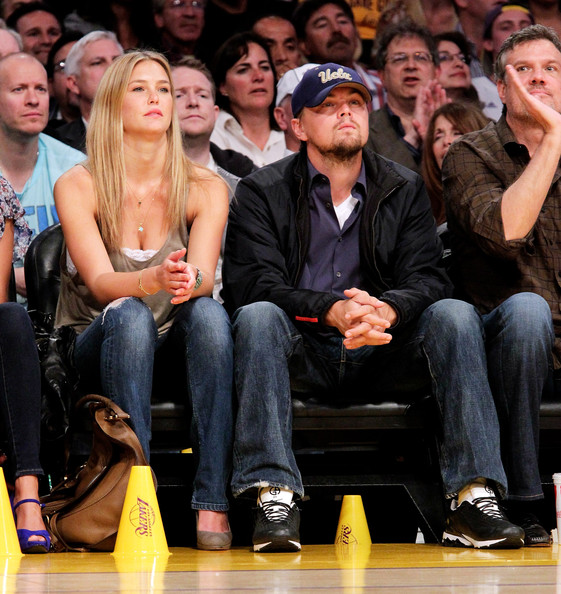 Bar Refaeli and Leonardo DiCaprio - Celebrities At The Lakers Game