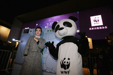 Li Bingbing 2013 Earth Hour In Beijing