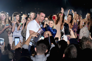 Liev Schreiber Fergie Performs Oceanfront for the Opening of the NEW Cove Resort on Paradise Island, The Bahamas