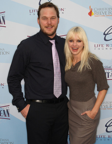 Anna Faris Actress Anna Faris (R) and her husband attend the Life Rolls on Foundation's sixth annual Night by the Ocean gala at the Kodak Theatre on October 4, 2009 in Hollywood, California.
