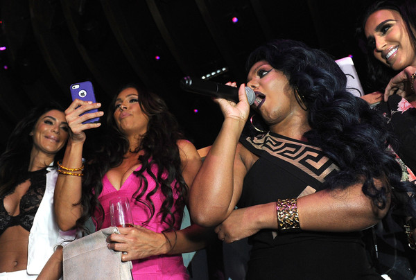 lil kim photos photos galore celebrates the music issue with cover