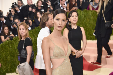 Lily Aldridge 'Manus x Machina: Fashion In An Age of Technology' Costume Institute Gala - Arrivals