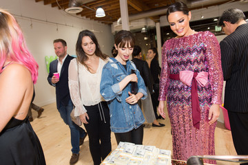 Lily Collins Beau Dunn De Re Gallery Debuts 'Plastic' By Beau Dunn