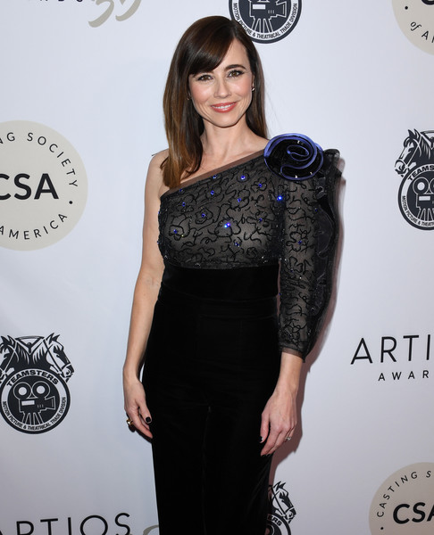Casting Society Of America's Artios Awards - Arrivals [clothing,hair,shoulder,dress,black,cocktail dress,hairstyle,beauty,fashion,neck,linda cardellini,beverly hills,california,the beverly hilton hotel,artios awards,linda cardellini,casting society of america,united states,casting,actor,directors guild of america award,academy awards,rachel brosnahan]