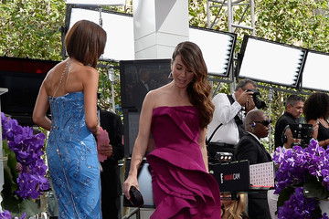 Linda Cardellini Arrivals at the 65th Annual Primetime Emmy Awards — Part 5