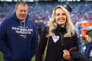 Linda Holliday New England Patriots v New York Giants