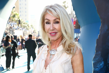 Linda Thompson Premiere of Disney's 'Pirates of the Caribbean: Dead Men Tell No Tales' - Red Carpet