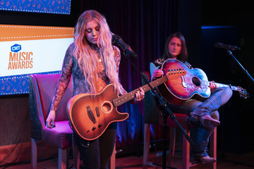 Lindsay Ell CMT Next Women Of Country #SeeHerHearHer