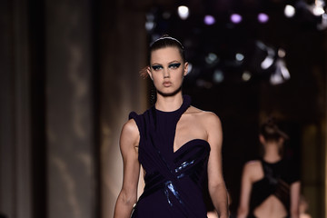 Lindsey Wixson Versace : Runway - Paris Fashion Week : Haute-Couture Fall/Winter 2014-2015