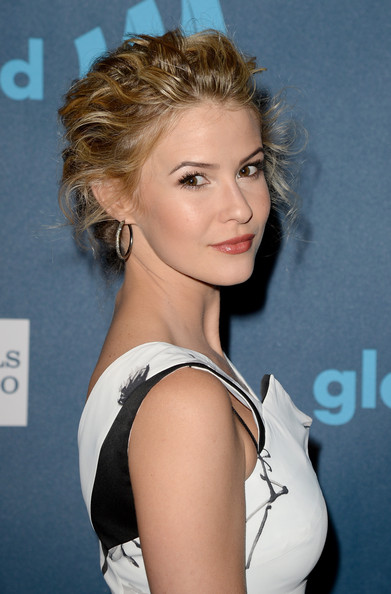 linsey godfrey actress