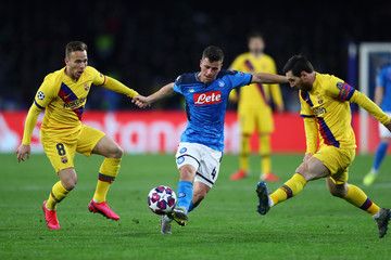 Lionel Messi Diego Demme SSC Napoli v FC Barcelona - UEFA Champions League Round of 16: First Leg