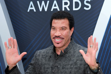 Lionel Richie The 52nd Annual CMA Awards - Arrivals