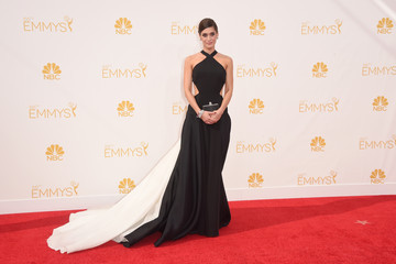 Lizzy Caplan Arrivals at the 66th Annual Primetime Emmy Awards — Part 2