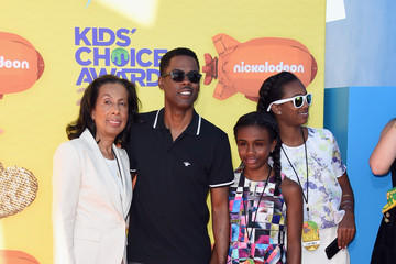 Lola Simone Rock Nickelodeon's 28th Annual Kids' Choice Awards - Arrivals