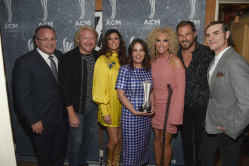 Lori McKenna 11th Annual ACM Honors - Backstage and Audience