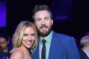 Scarlett Johansson and Chris Evans Photos Photo