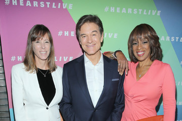 Lucy Kaylin Hearst Launches HearstLive, a Multimedia News Installation at 57th Street & 8th Avenue in NYC